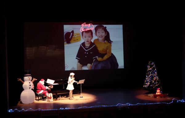 写真は親子のためのクリスマスコンサート2019より